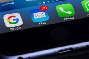 email-marketing-smartphone